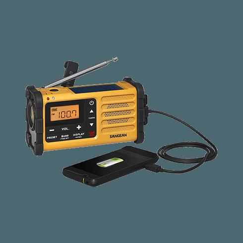 MMR-88 디지털 자가발전 라디오 스마트폰 충전장면