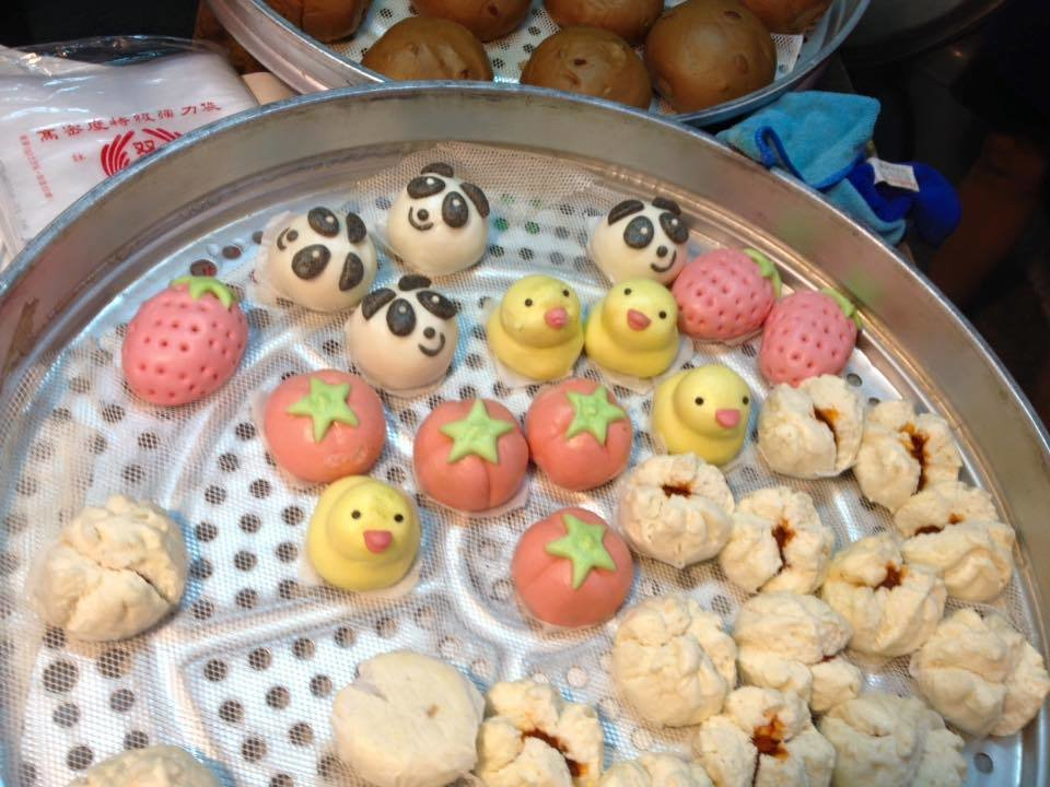 대만의 시장에서는 이런 만두를 팝니다.