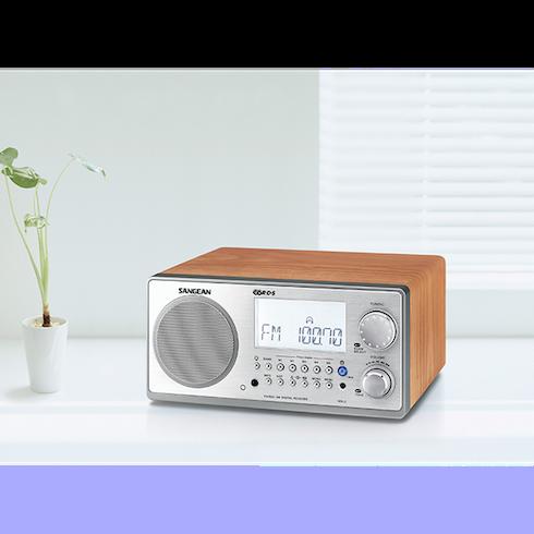 책상위의 WR-2 디지털 탁상용 라디오