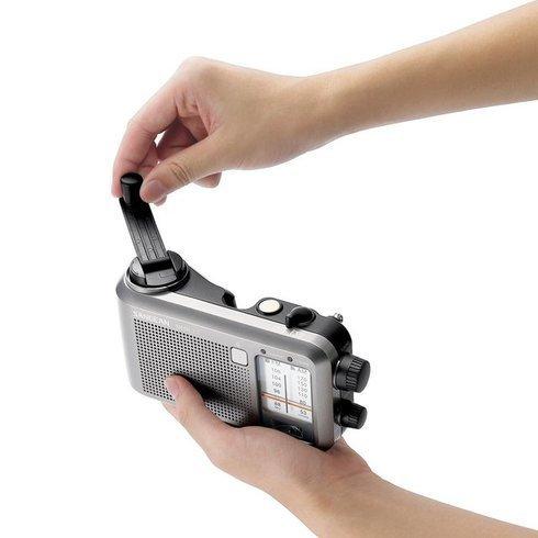 Sangean-MMR-77-Emergency-Radio-Hand