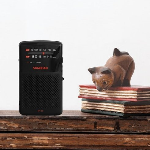 Sangean-SR-35-Portable-Radio-Cat